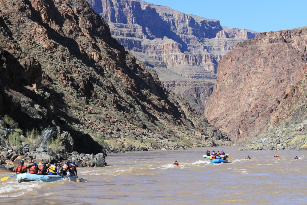 HRR_RAFTING_THE_CANYON
